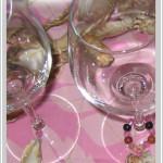 Segna bicchieri per una tavola in rosa che sa di mare